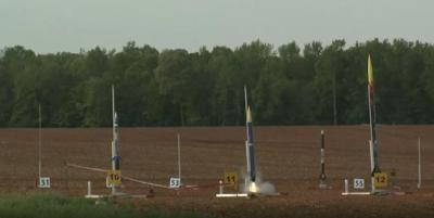 students building paper rocket nasa - photo #7